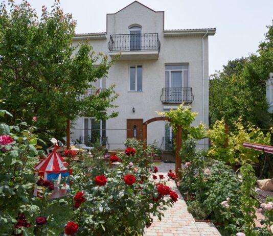 Частный дом «Белый парус». Отдых в Севастополе, Учкуевка